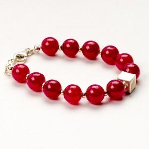 Czerwona bransoletka artystyczna damska z czerwonych korali 2