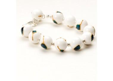 Artystyczna ręcznie malowana bransoletka z białych jadeitów 44