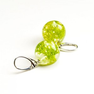 Kolczyki kulki zielone z prawdziwym mchem z żywicy jubilerskiej do letniej sukienki 2