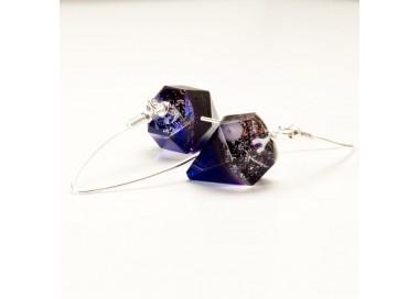 Kolczyki długie- diamenty dla kobiety.