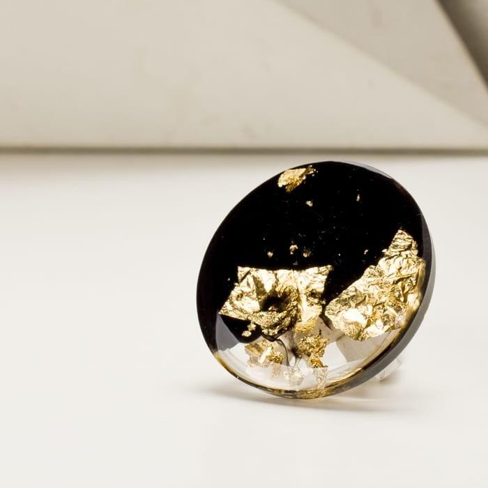 Elegancka czarno-złota broszka biżuteria artystyczna