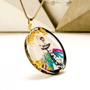 Złoty naszyjnik imie ręcznie wykonany z ręcznie malowaną okrągłą zawieszką 2