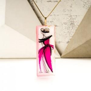 Naszyjnik dla mamy z grawerem lub imieniem w ręcznie malowanej różowej zawieszce 2