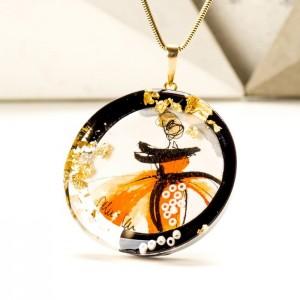 Biżuteria artystyczna - naszyjnik ręcznie malowany  z pomarańczową zawieszką na pozłacanym łańcuszku 1