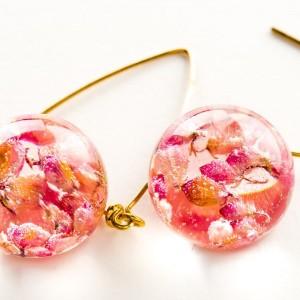Kolczyki kolorowe z różowym wrzoścem pozłacane 1