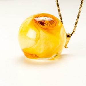 Żółty naszyjnik z prawdziwą żółtą różą na pozłacanym łańcuszku 2