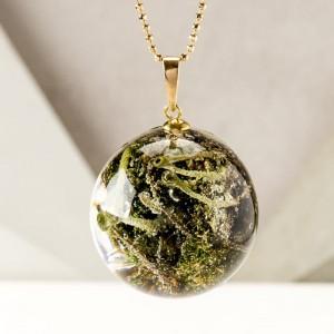 Złoty naszyjnik z prawdziwą rośliną, naszyjnik z zieloną kulką na złotym łańcuszku 1