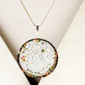 Biżuteria artystyczna - naszyjnik ręcznie malowany  z listkami i koralikami 3