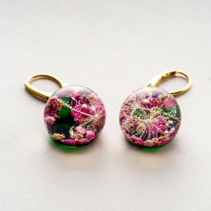 Złote kolczyki kółka zielone różowe kolczyki