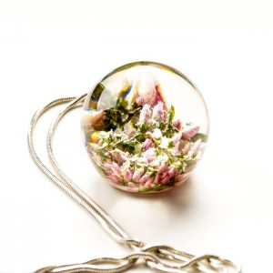 Srebrny naszyjnik z kwiatami wrzosu różowego