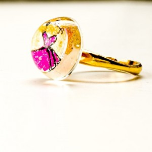 Pierścionek artystyczny pozłacany ręcznie malowany ze złoto - różowym oczkiem 1