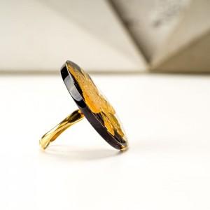 Duży pierścionek artystyczny czarno złoty 6