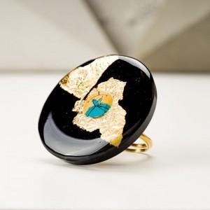 Pierścionek artystyczny pozłacany ręcznie malowany z dużym złoto czarnym oczkiem 4