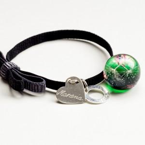 Czarna bransoletka z grawerem dla dziewczyny z kokardą i zieloną zawieszką   1