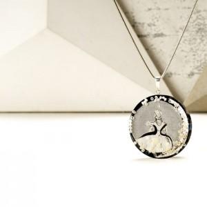 Srebrny naszyjnik z imieniem w okrągłej zawieszce, ręcznie malowana biżuteria artystyczna 2