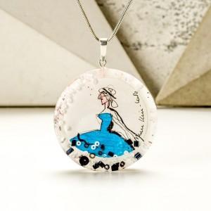 Unikalna biżuteria z grafiką namalowaną tuszami.