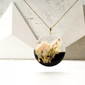 Elegancki naszyjnik pozłacany z łąką kwiatów, wyjątkowy prezent.1
