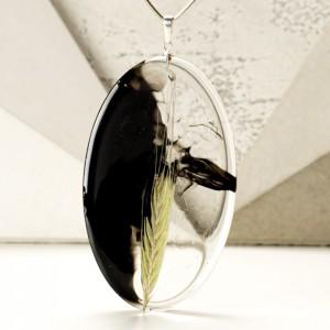 Długi naszyjnik z dużą owalną zawieszką z żywicy z kłosem żyta 1