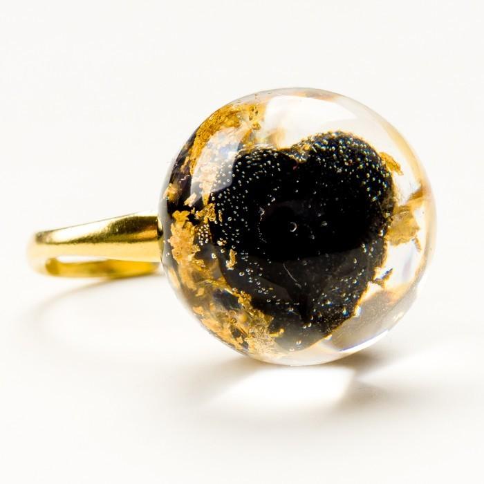 Pierścionek z cyrkoniami serce czarne cyrkonia