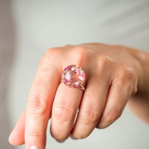 Pierścionek artystyczny z prawdziwymi różowymi wrzosami, brokatem i koralikami 1