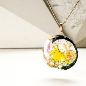 """Biżuteria artystyczna naszyjnik złoty """"dwie sukienki"""" z okrągła zawieszką"""