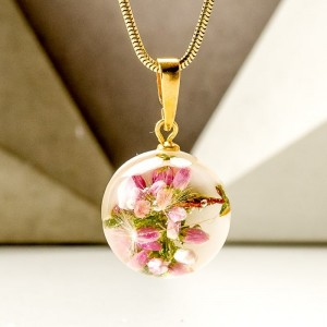 Naszyjnik z zawieszkami wrzos różowy w kulce zawieszk
