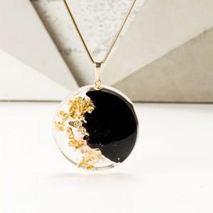 Naszyjnik z imieniem na prezent z czarno złotą zawieszką